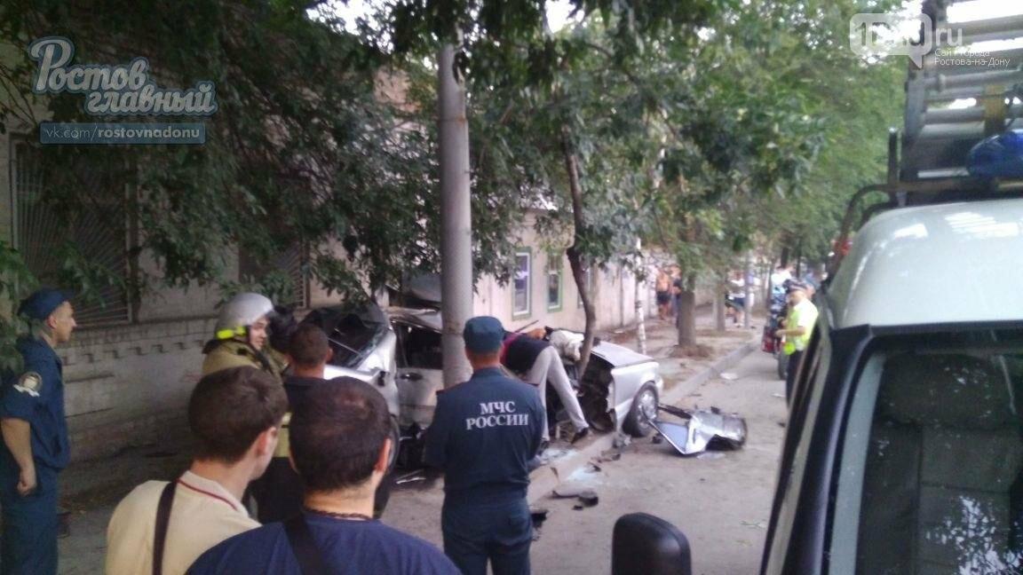 В Ростове пьяный водитель влетел в столб, погиб его пассажир, фото-2