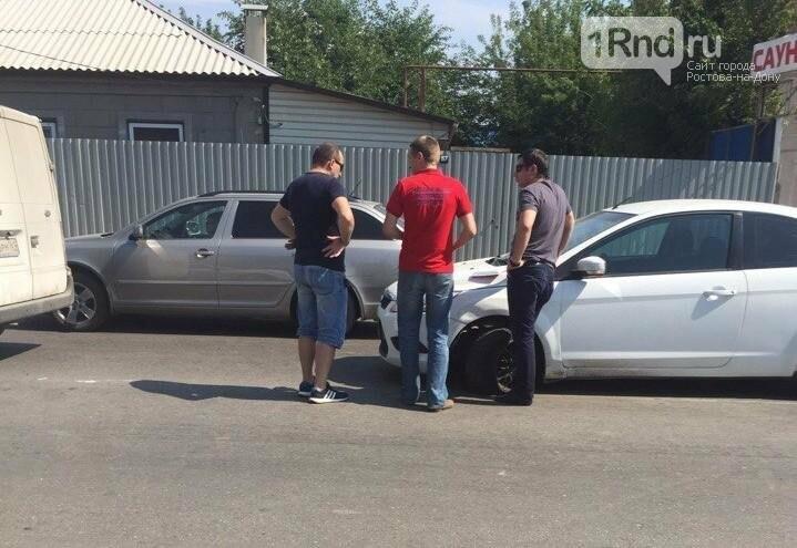 Ростовчане осудили водителя, который устроил ДТП, разговаривая по мобильному телефону, фото-1