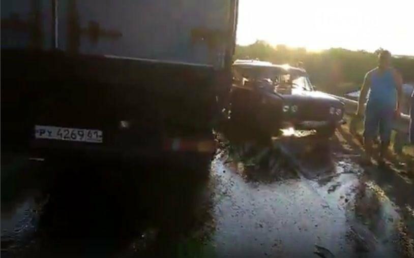 В Белокалитвинском районе в массовом ДТП  пострадали пять человек, фото-2, Скриншоты с видео