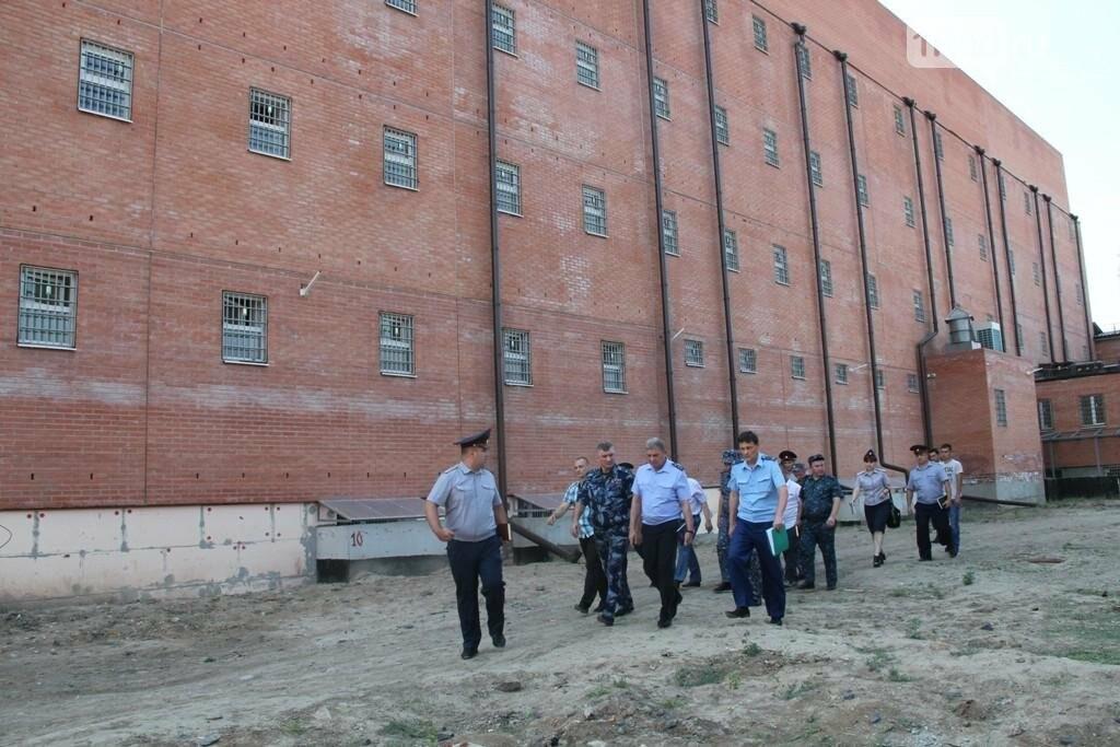 Прокурор Дона и омбудсмен по правам человека проверили изолятор ГУФСИН, фото-3