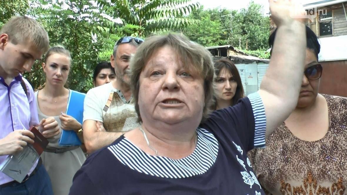 В центре Ростова люди боятся за свои жизни и жилье, фото-18