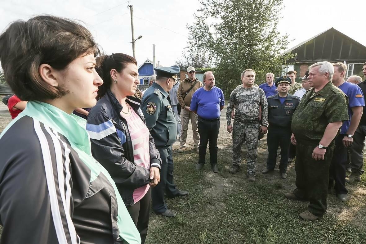 Губернатор потребовал узнать причину пожара в Усть-Донецком районе и наказать виновных, фото-3