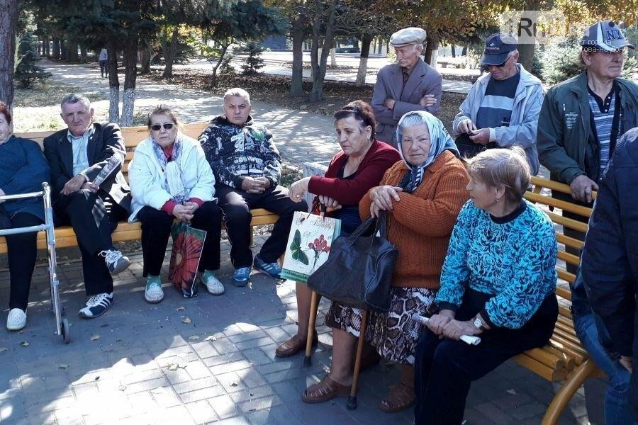 На митинге мэру Батайска в стихотворной форме предложили уйти в отставку, фото-4