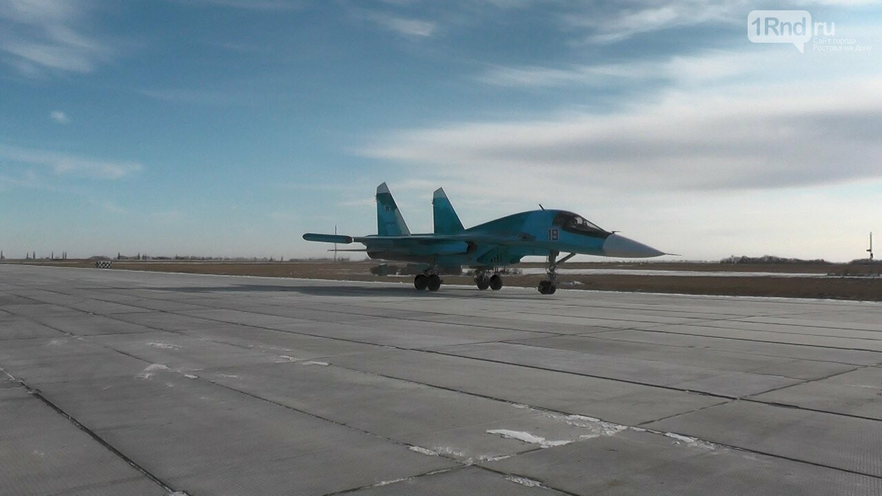 Видео из кабины пилота: как истребители садились на ростовскую трассу, фото-13
