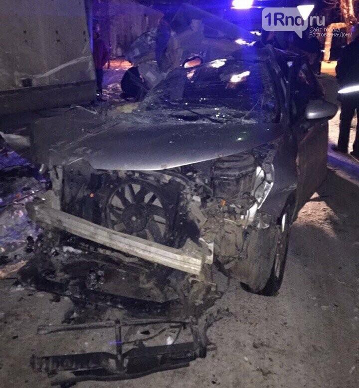 Массовое ДТП в Таганроге сократилось до столкновения иномарки и грузовика, фото-2