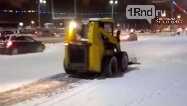 На ростовские дороги вышла снегоуборочная техника, фото-2
