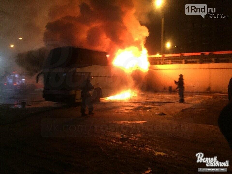 На Главном автовокзале Ростова сгорел автобус, следующий во Владикавказ, фото-2