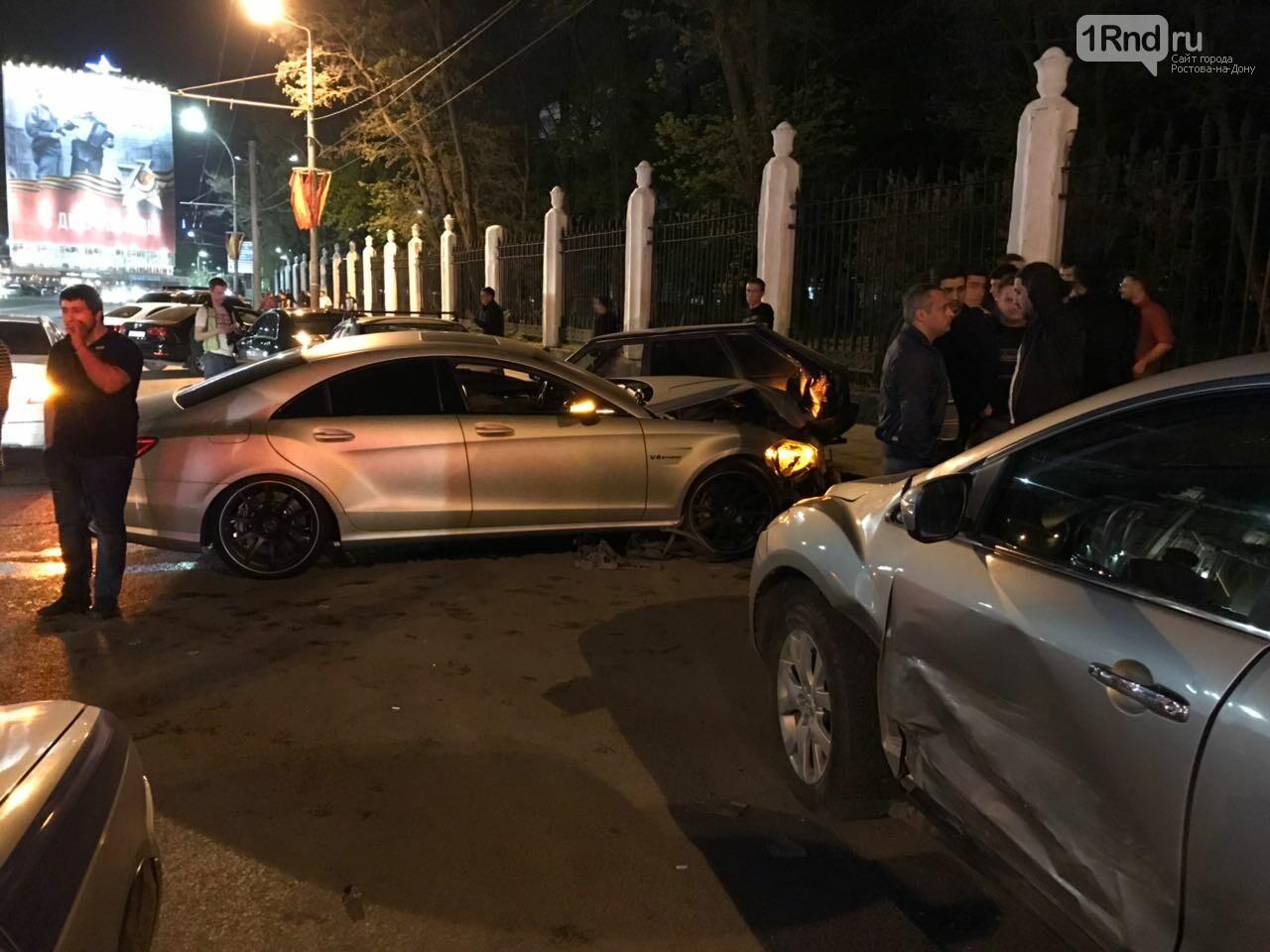 Новые подробности: виновником массовой аварии на Театральной площади стал иностранец, фото-5, Фото: предоставлено очевидцем