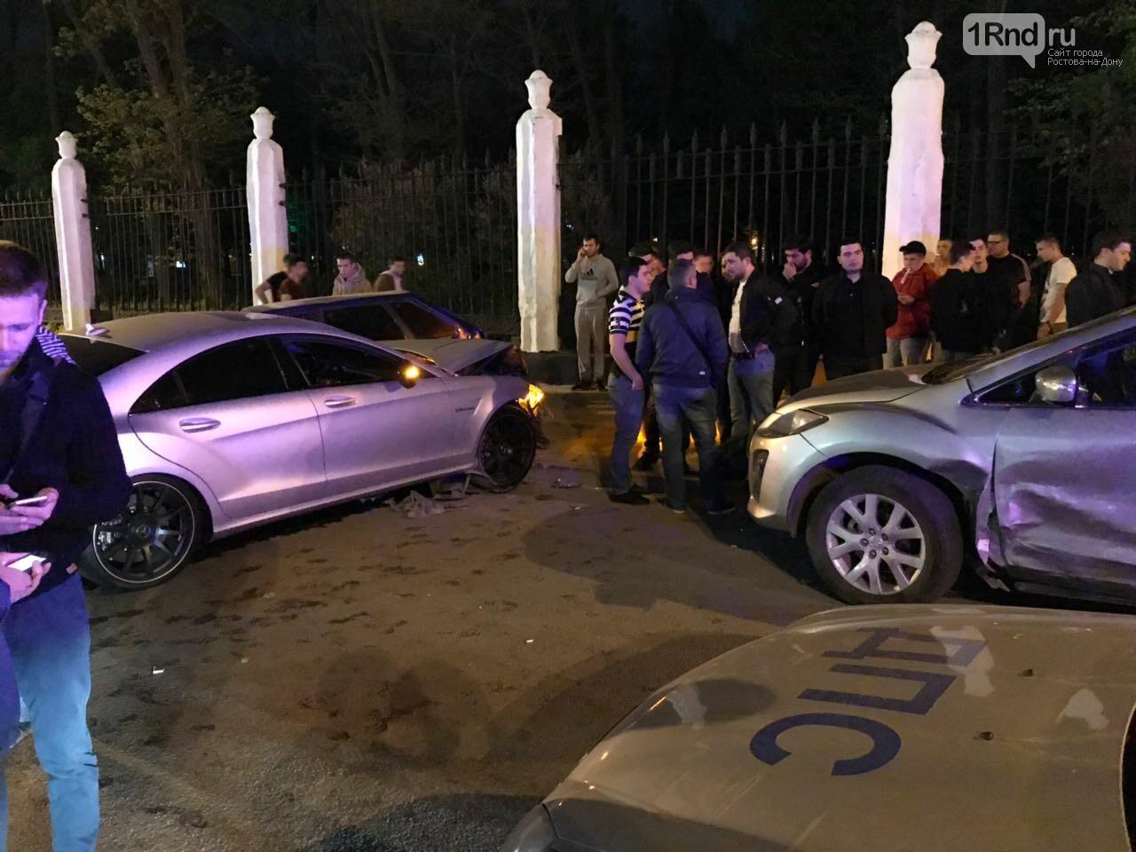 Новые подробности: виновником массовой аварии на Театральной площади стал иностранец, фото-4, Фото: предоставлено очевидцем