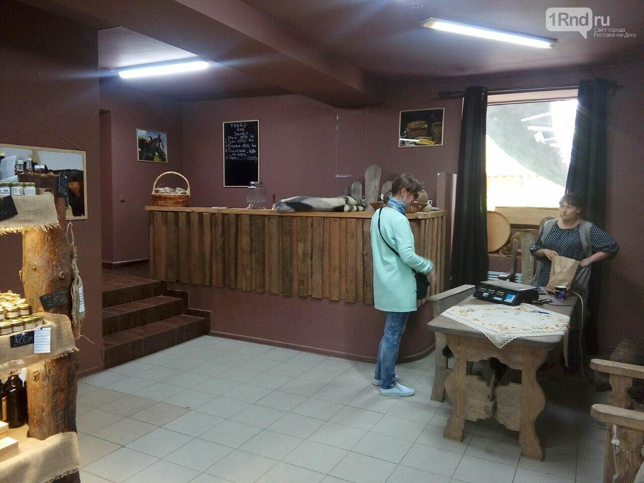 В Ростове лавку Стерлигова закрыли журналисты, фото-3, Фото: Анна Дунаева / 1rnd.ru