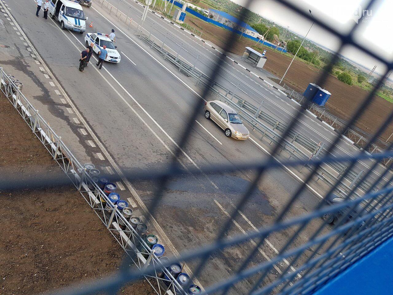 На трассе Ростов-Таганрог «Газель» с пивом влетела в МАЗ, фото-1