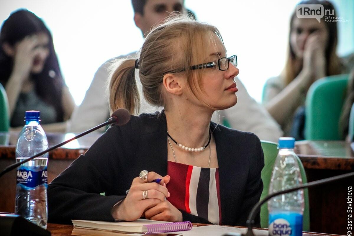 Выиграть учебу в вузе — легко: в Ростове прошел финал проекта «До лампочки» , фото-1, Фото: Саша Савичева / 1rnd.ru