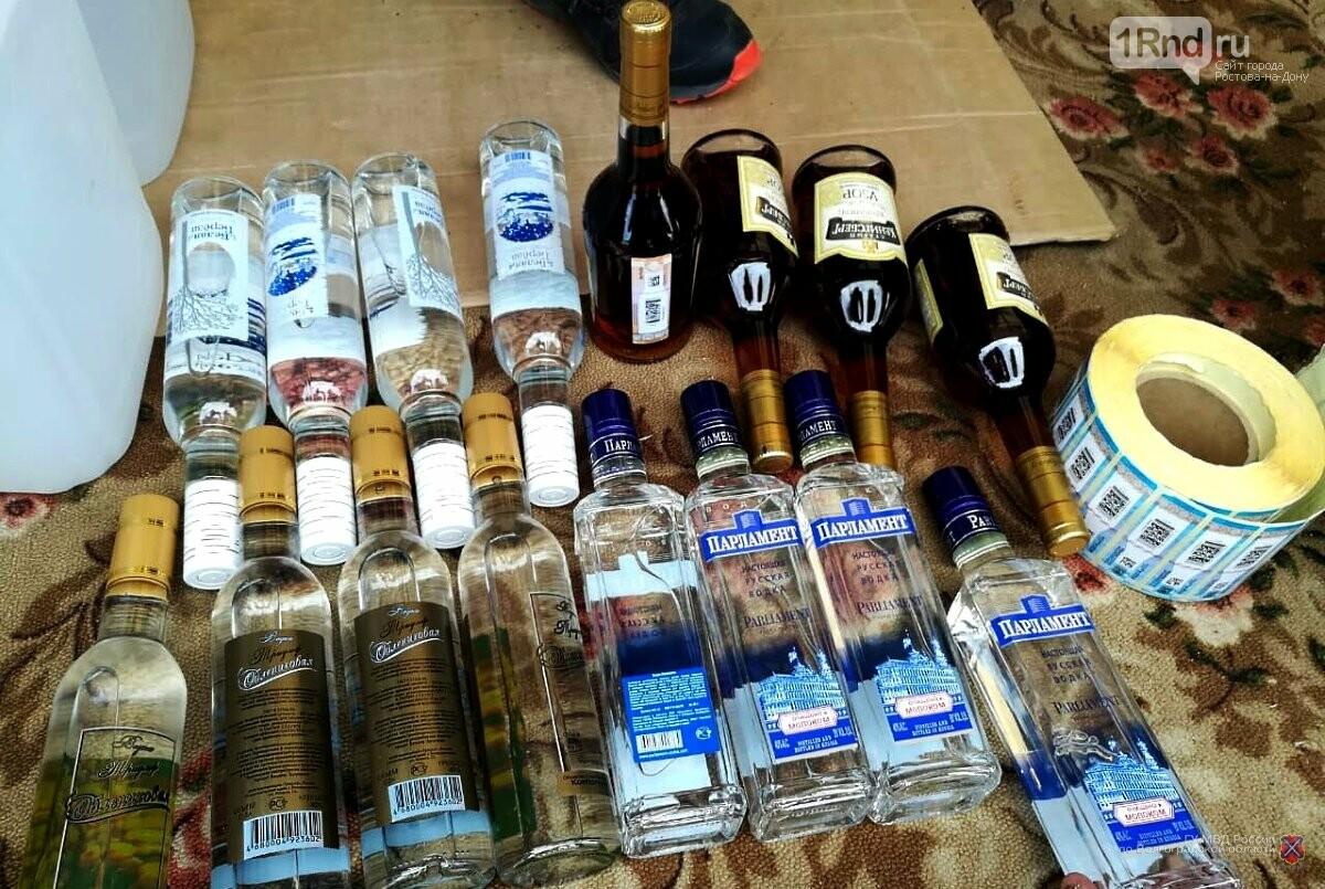 Волгоградские оперативники МВД и ФСБ «накрыли» цех поддельного алкоголя в Ростовской области, фото-2