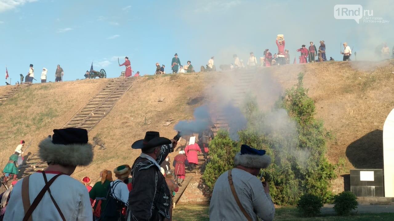 В Азове показали реконструкцию сражения донских казаков за Азовскую крепость, фото-8, Фото: 1rnd.ru