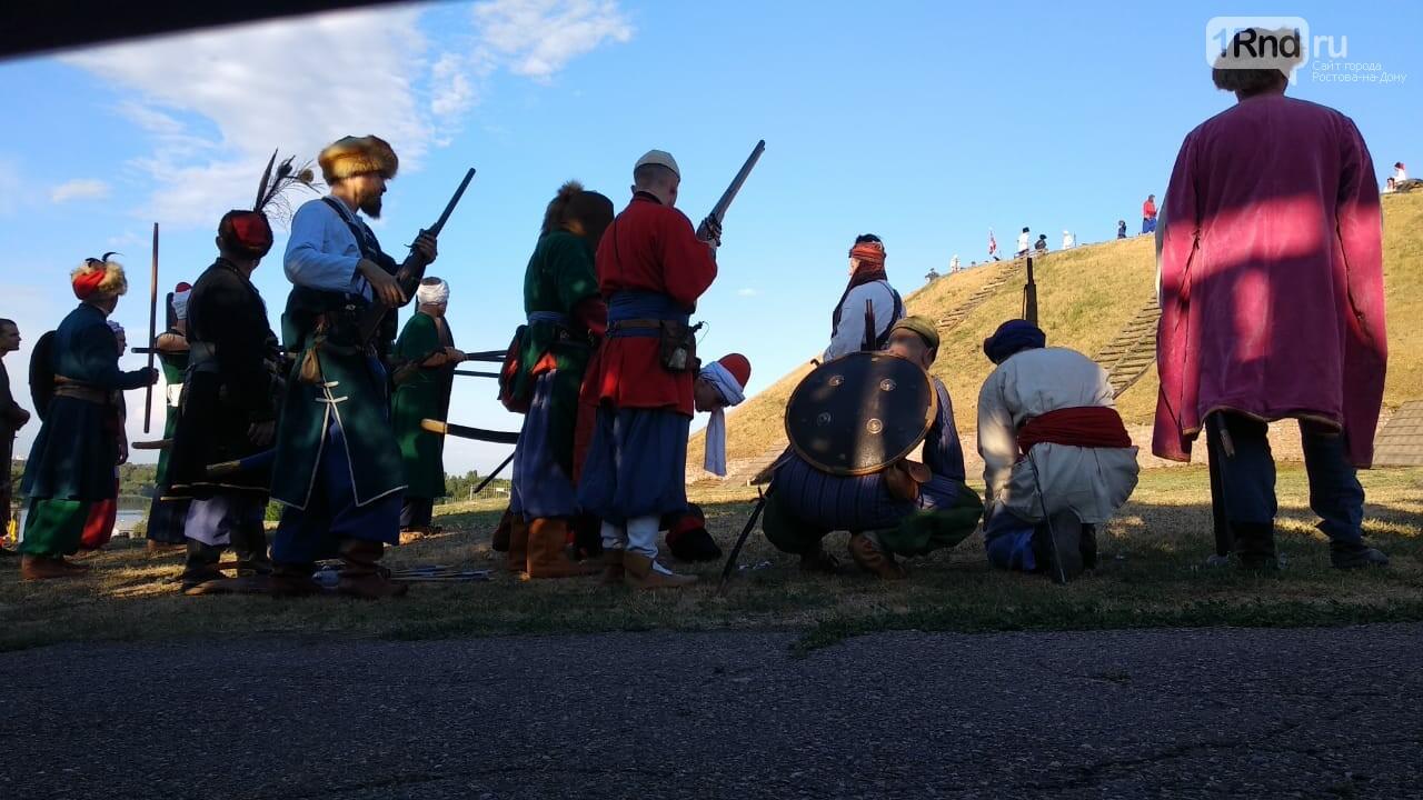 В Азове показали реконструкцию сражения донских казаков за Азовскую крепость, фото-1, Фото: 1rnd.ru