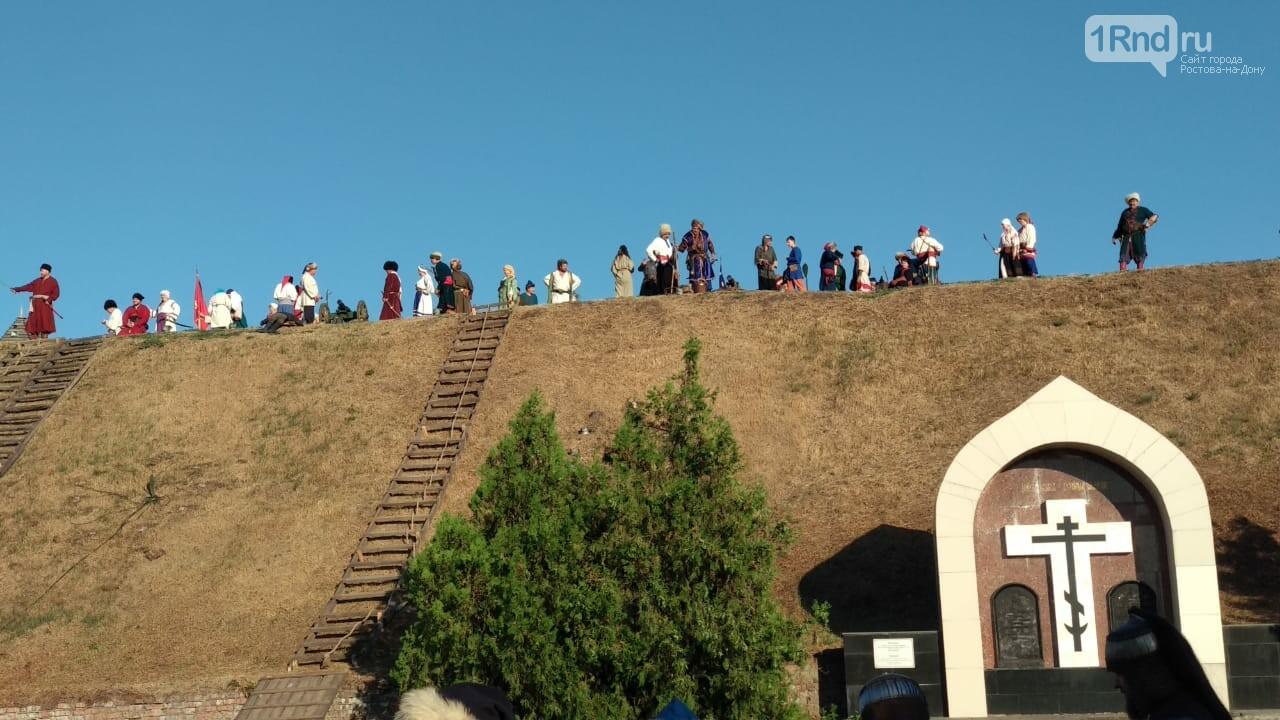 В Азове показали реконструкцию сражения донских казаков за Азовскую крепость, фото-4, Фото: 1rnd.ru