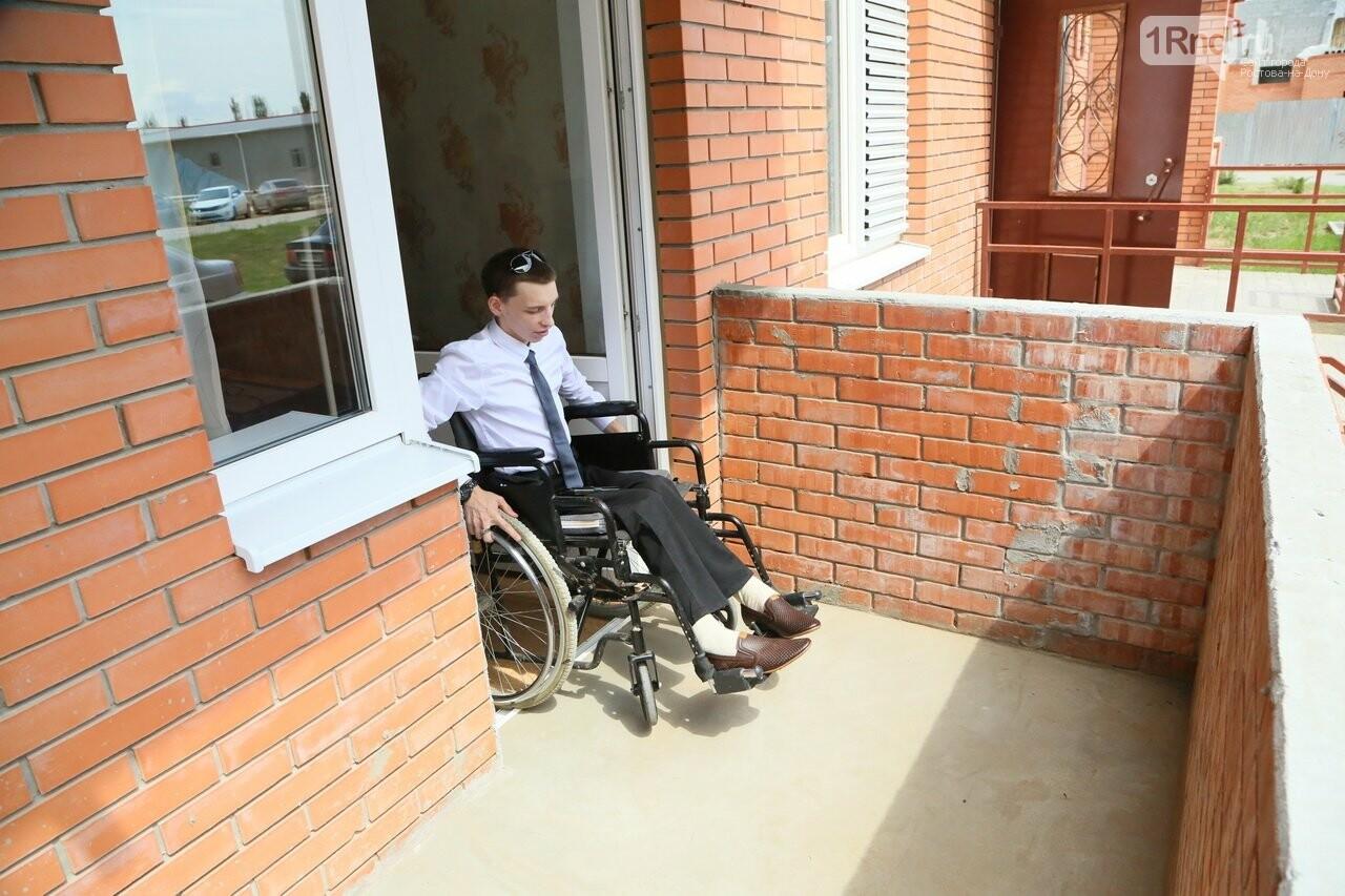 В Ростовской области для сироты с инвалидностью построили особенную квартиру, фото-3