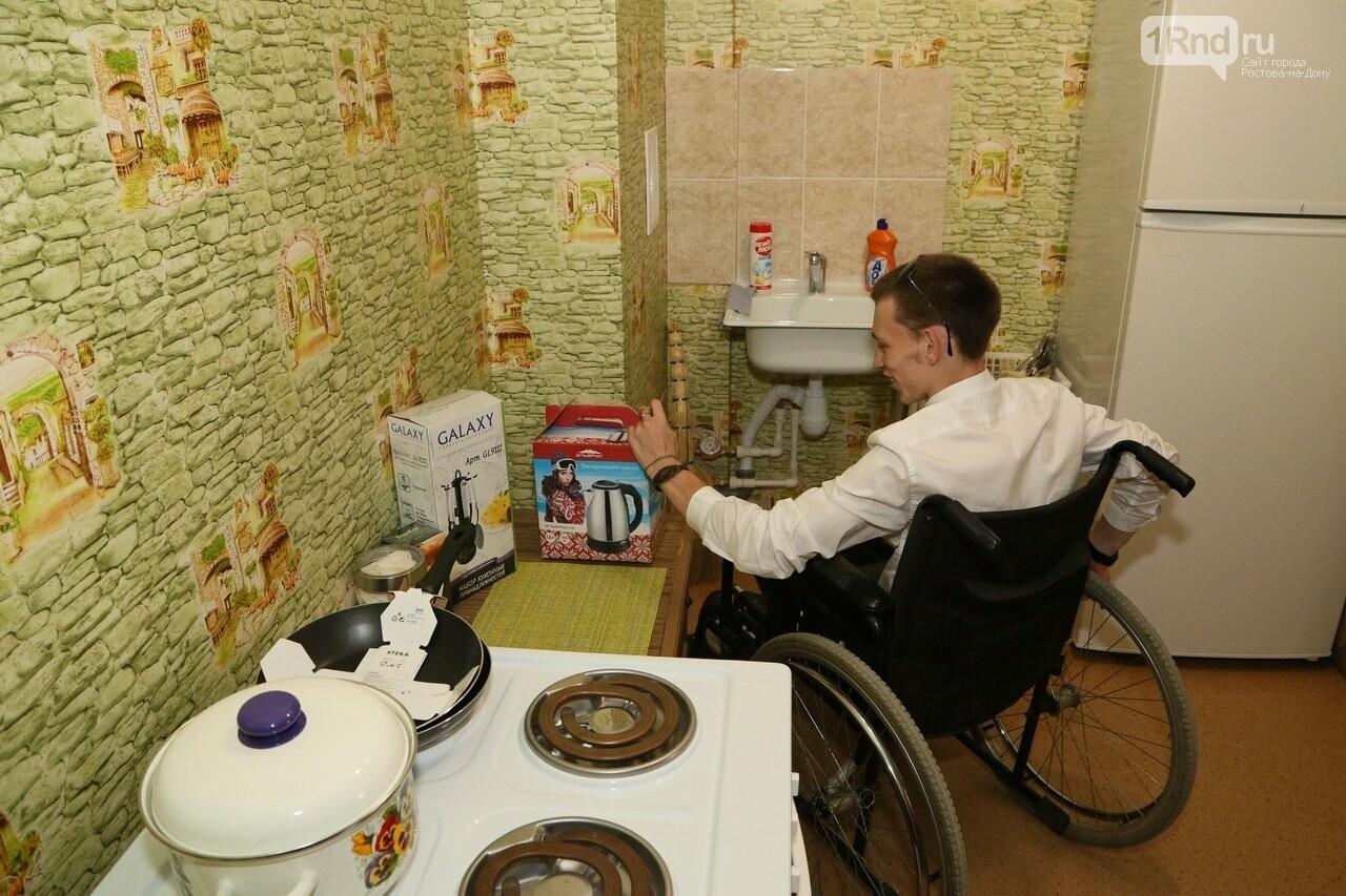 В Ростовской области для сироты с инвалидностью построили особенную квартиру, фото-5