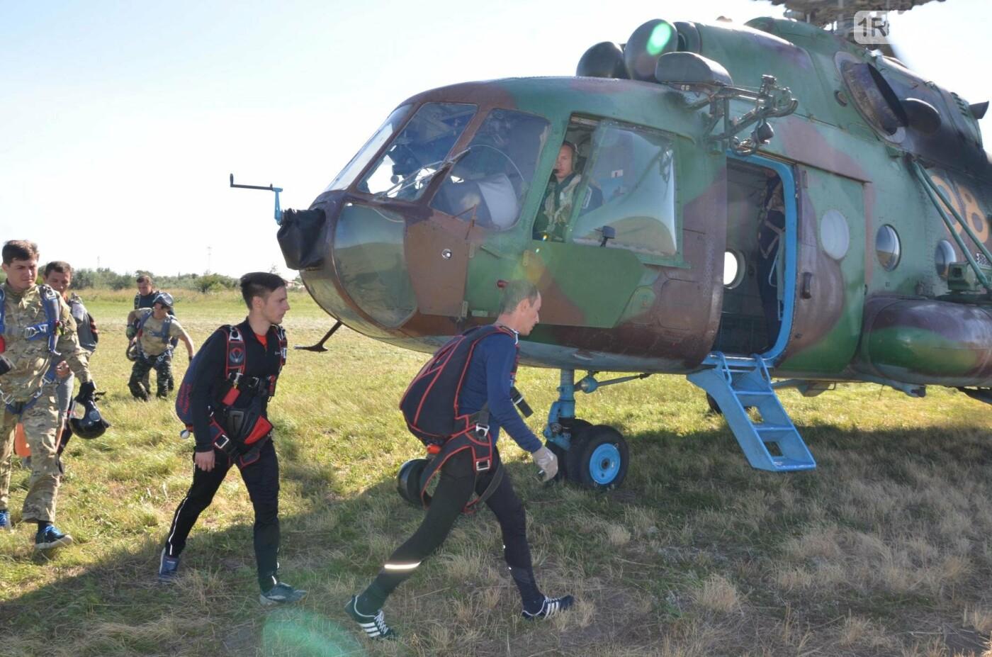В Ростовской области проходит учебный сбор парашютистов, фото-2, Фото: Александр Барабашов