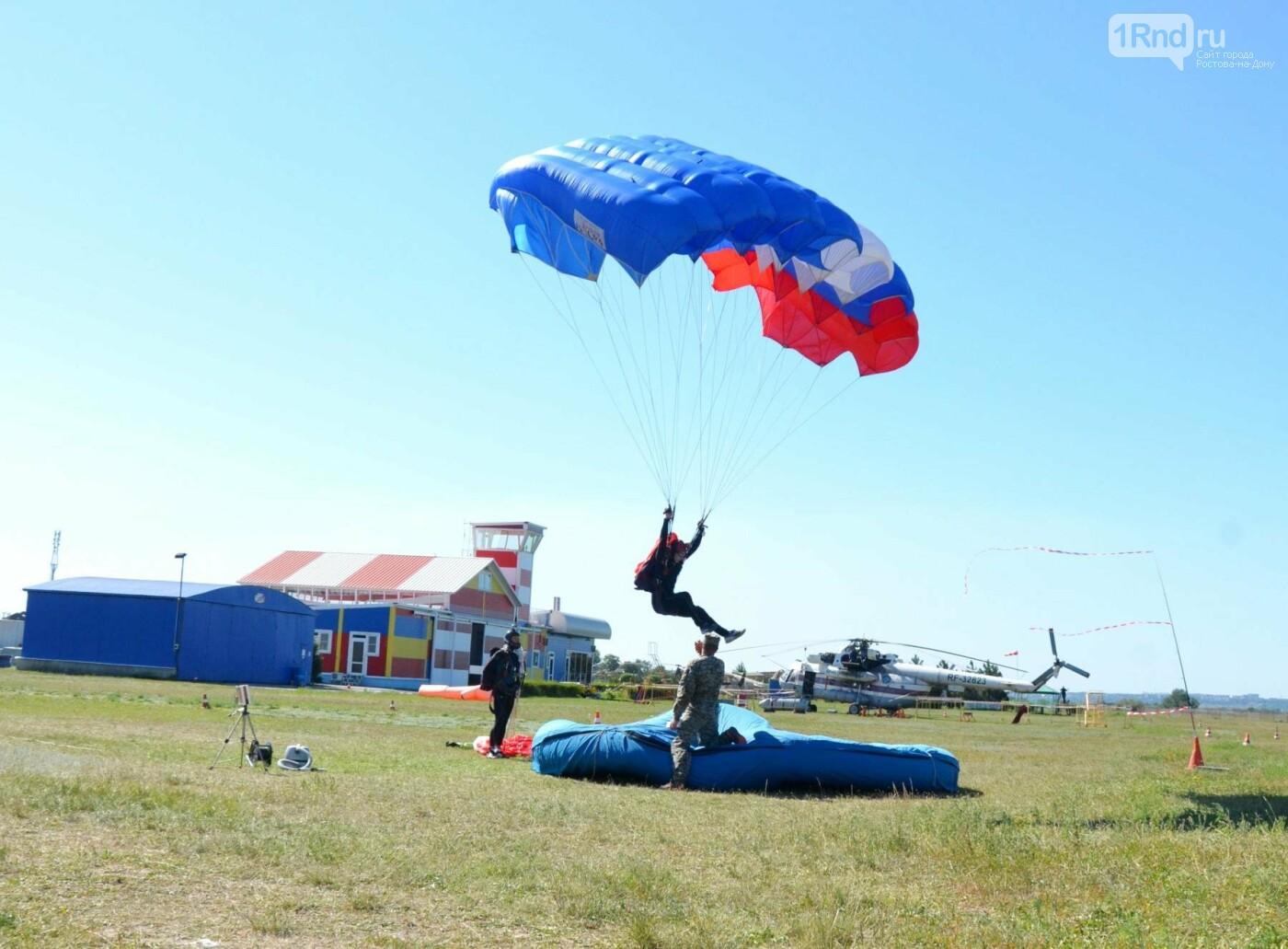 В Ростовской области проходит учебный сбор парашютистов, фото-1, Фото: Александр Барабашов