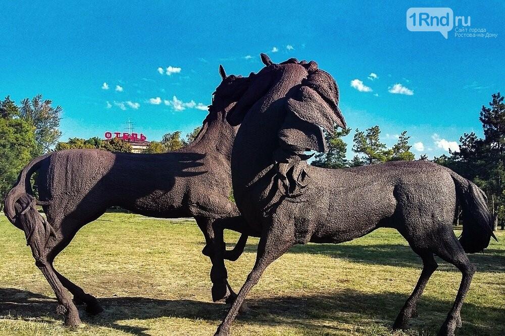 Реставрацию скульптур коней у старого аэропорта Ростова завершили досрочно, фото-1, Фото: администрация города