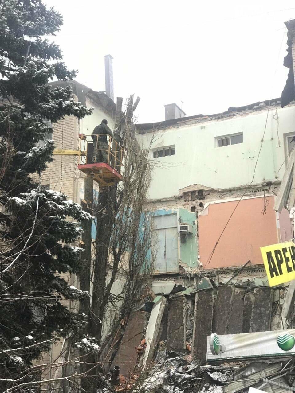 МЧС по Ростовской области: угрозы дальнейшего обрушения здания в Новочеркасске нет, фото-2