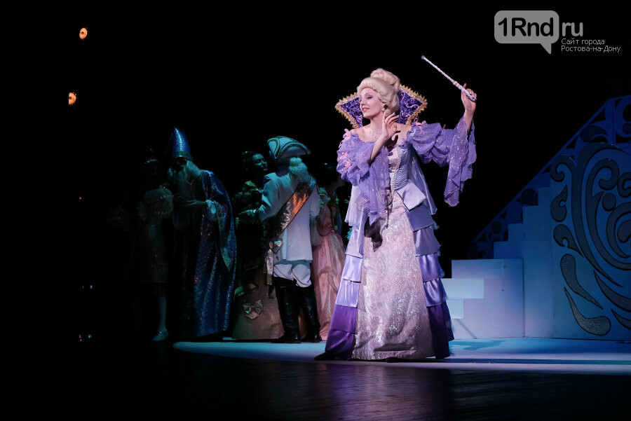 Главное – это туфелька! – рецензия на спектакль в Таганрогском драматическом театре , фото-6