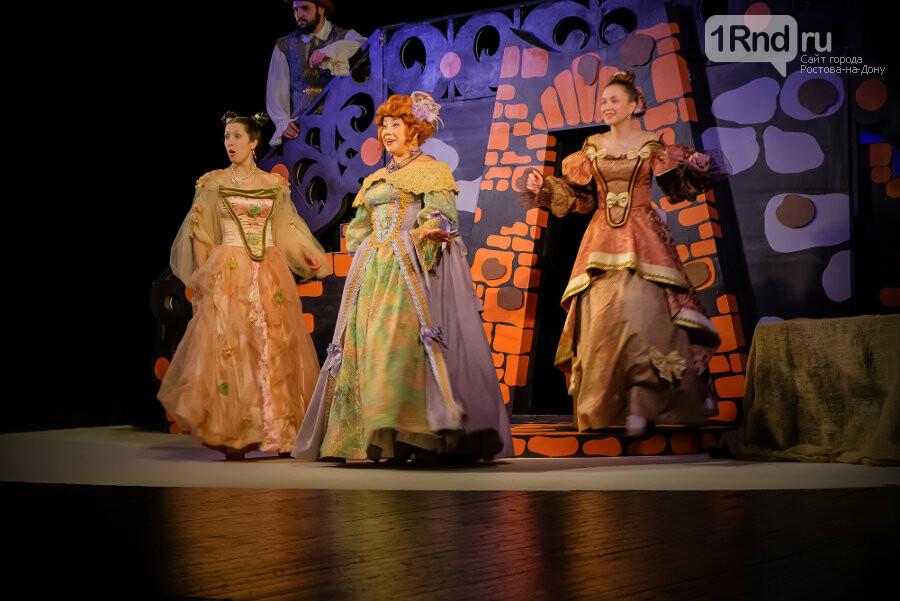 Главное – это туфелька! – рецензия на спектакль в Таганрогском драматическом театре , фото-7