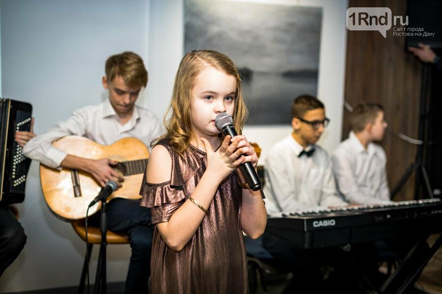 В Ростове прошла благотворительная выставка работ детей с особенностями здоровья, фото-3