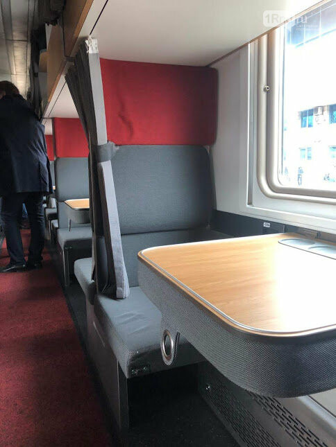 Ростовчане раскупили все билеты в первый плацкартный вагон с новым интерьером , фото-2