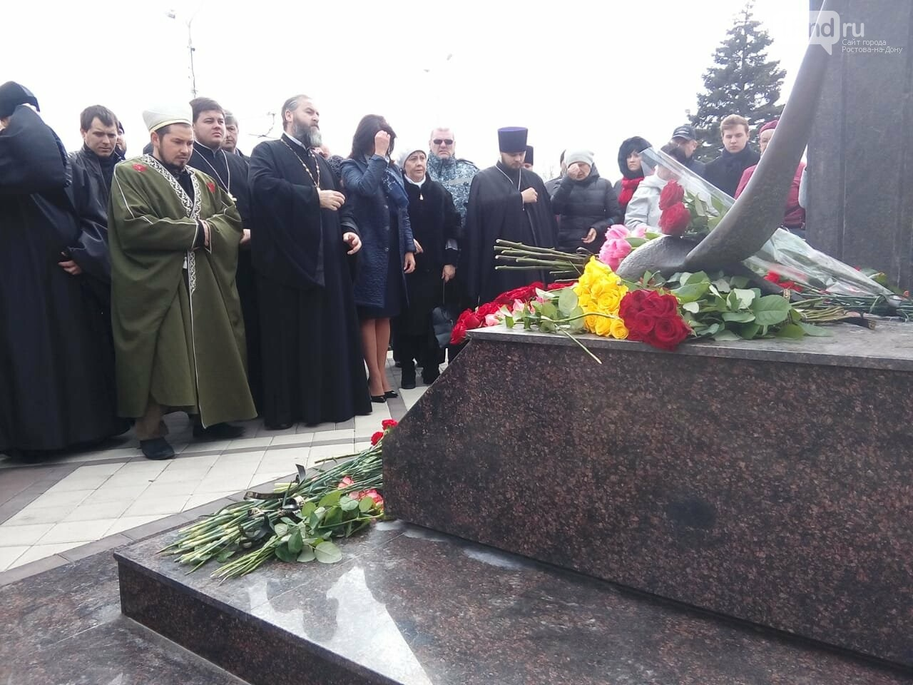 В Ростове почтили память жертв авиакатастрофы FlyDubai-981, фото-1