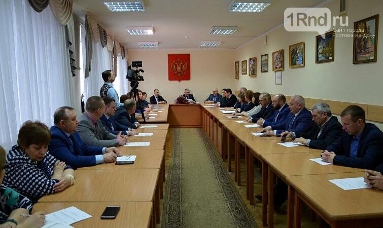 Дума Новошахтинска приняла заявление мэра об увольнении, фото-1