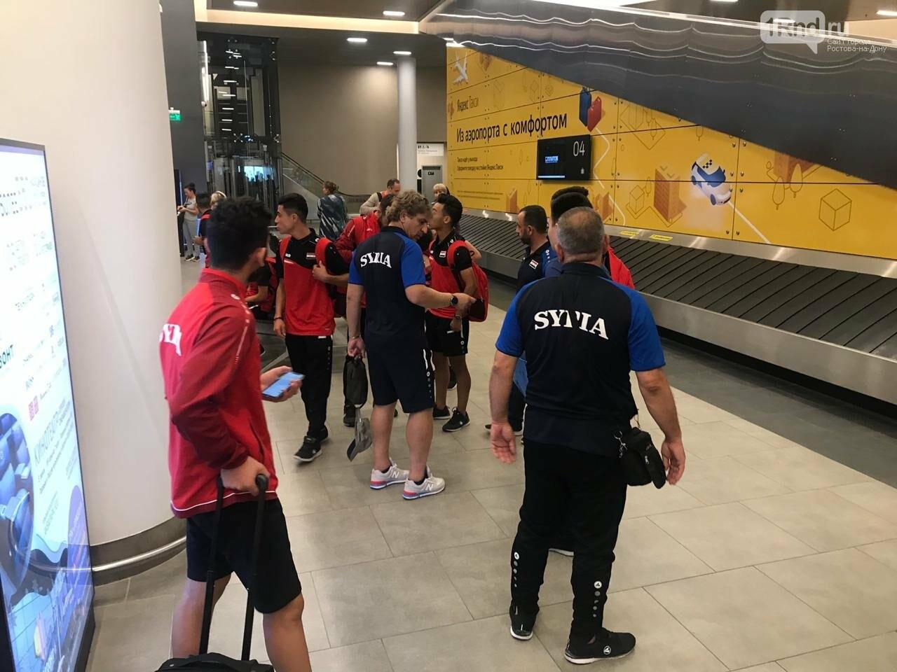 Сирийские футболисты прилетели в Ростов на товарищеский матч , фото-1