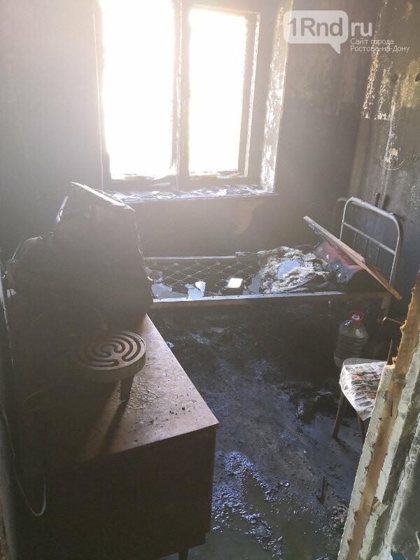 В Каменске-Шахтинском при пожаре едва не погиб пенсионер, фото-2