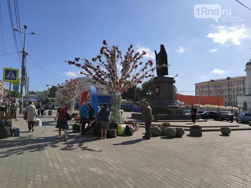 Те же кадки, только в профиль: как благоустраивают Соборную площадь Ростова, фото-6