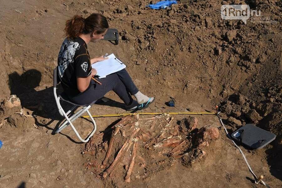 Донские археологи нашли древние захоронения в уникальном кургане под Азовом, фото-1