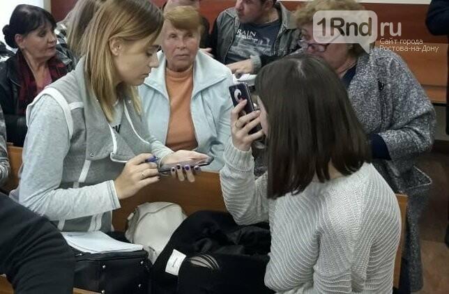 В Ростове состоялось первое заседание суда по громкому делу о погорельцах на Театральном спуске, фото-3