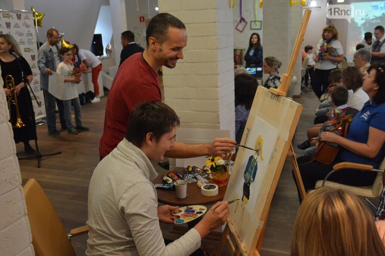 В Ростове прошла выставка работ особенных детей «Мир в красках» , фото-8