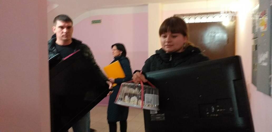Ростовские приставы вернули ветерану изъятые телевизоры, фото-3