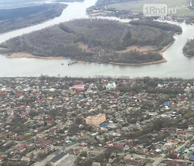 В небе над Ростовом совершили крестный ход против коронавируса, фото-3