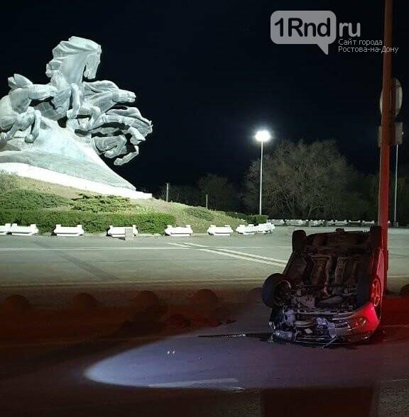 "Lada Granta на большой скорости перевернулась возле ""Тачанки"", фото-1"