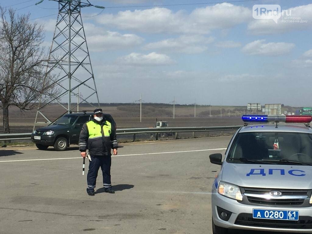 Движение на участке трассы М-4 в Ростовской области остановлено из-за пожара , фото-3