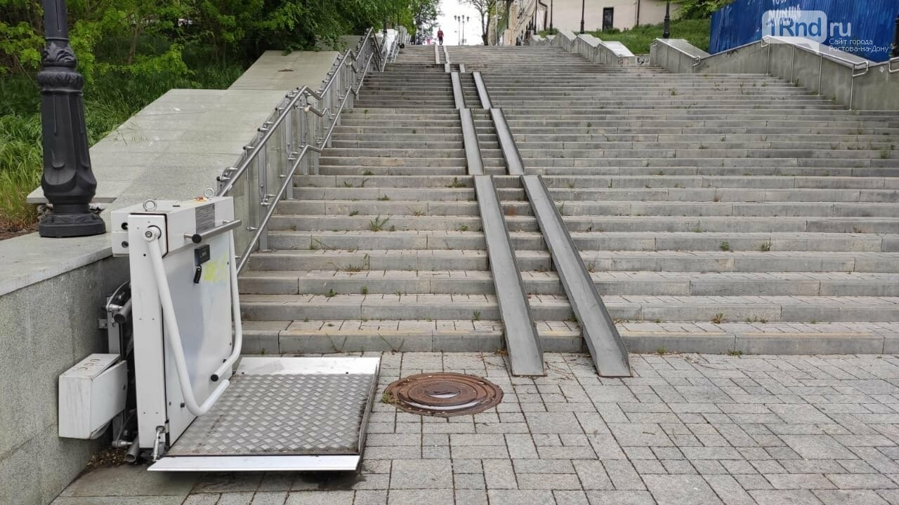 В Ростове начала разрушаться Казанская лестница, фото-9