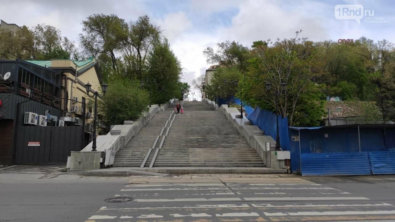 В Ростове начала разрушаться Казанская лестница, фото-1