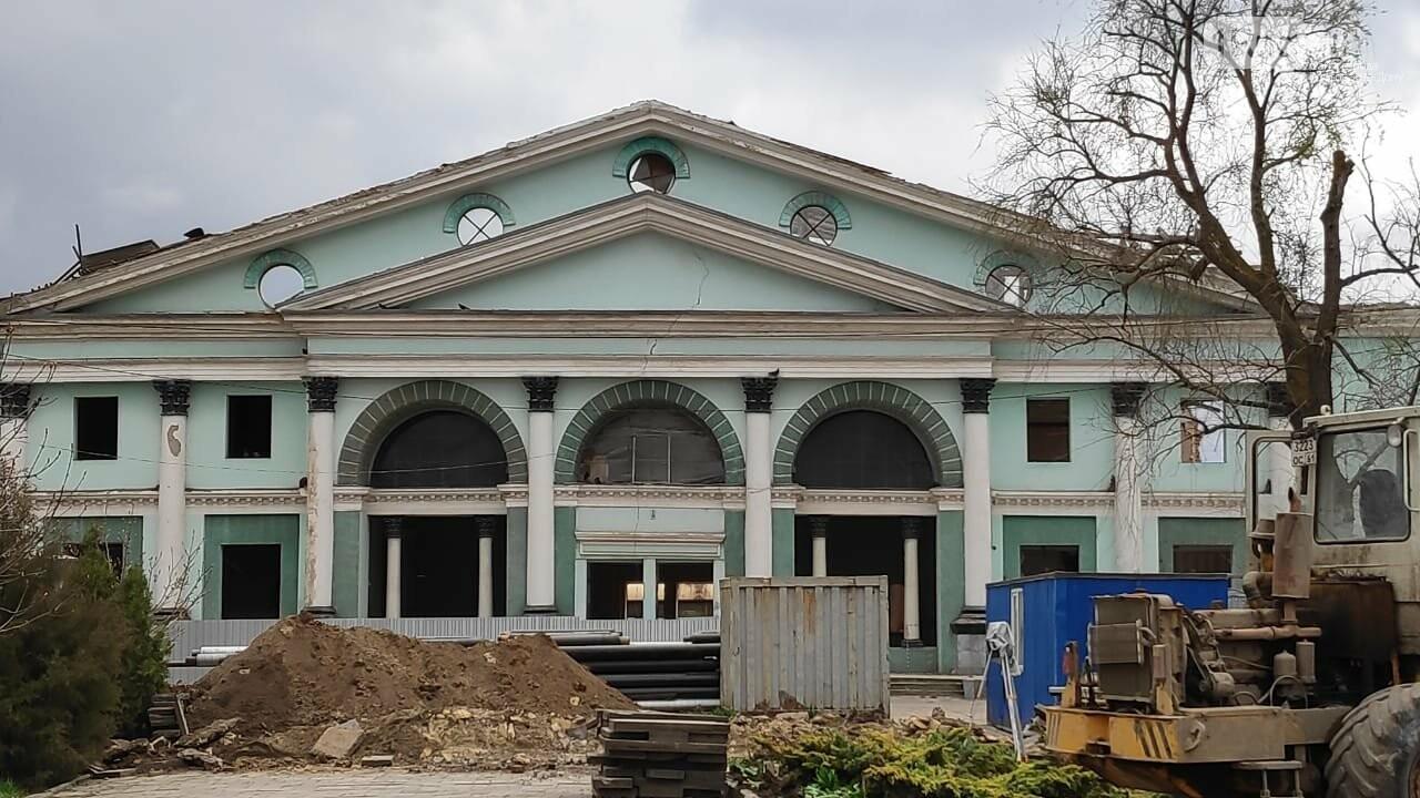 Коробка из бетона и стекла вырастет на месте старинного здания вокзала в Сальске, фото-1