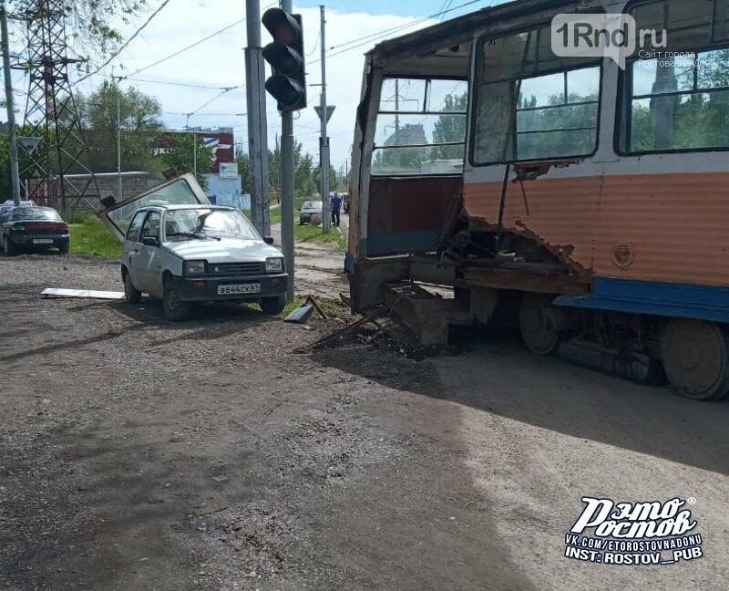 В Таганроге после схода с рельсов развалился трамвай, фото-2