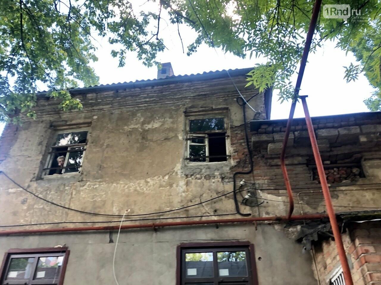 В Ростове жители столетнего дома выступили против его проверки на аварийность, фото-3