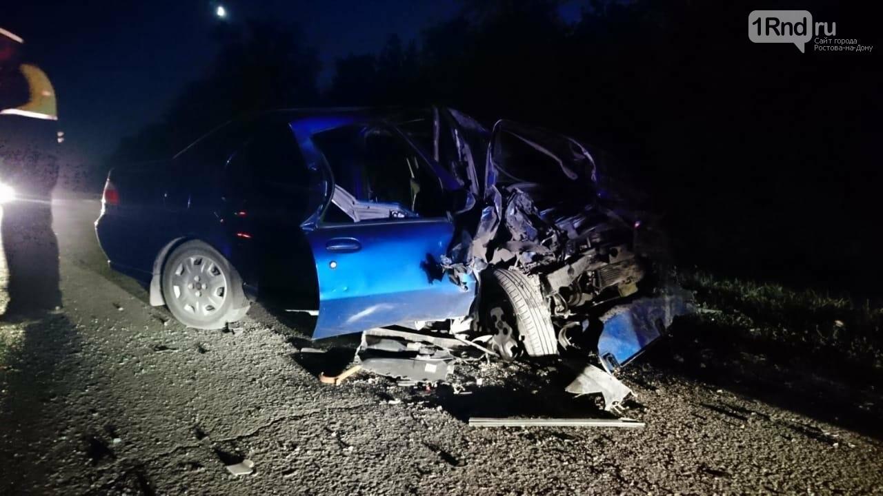 В Ростовской области один человек погиб и шестеро пострадали в лобовом ДТП, фото-2