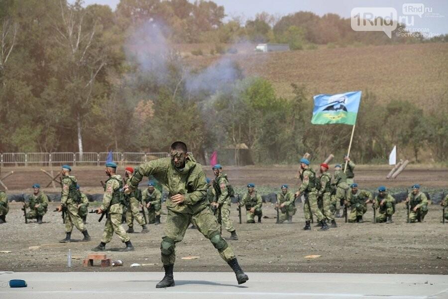 """Показательные выступления спецназа на открытии """"Самбекских высот"""""""
