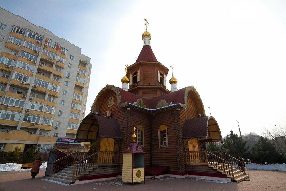 С этого малого храма 17 лет назад началась история прихода, Фото: www.psgp.ru